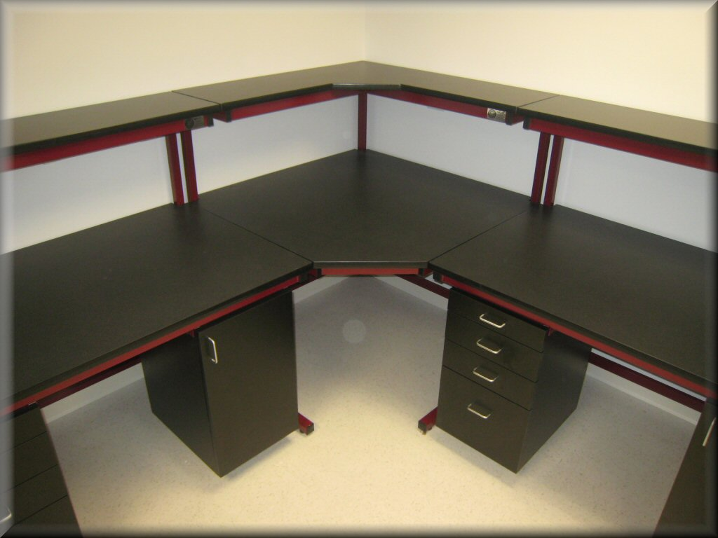 RDM Corner Table With Recessed Legs C103P CNR