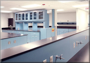 Science Lab Tables & Workbenches