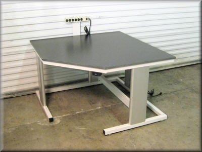 Table Model i-107P-CNR45 – Corner Unit i-Frame Table with Chamfered Front