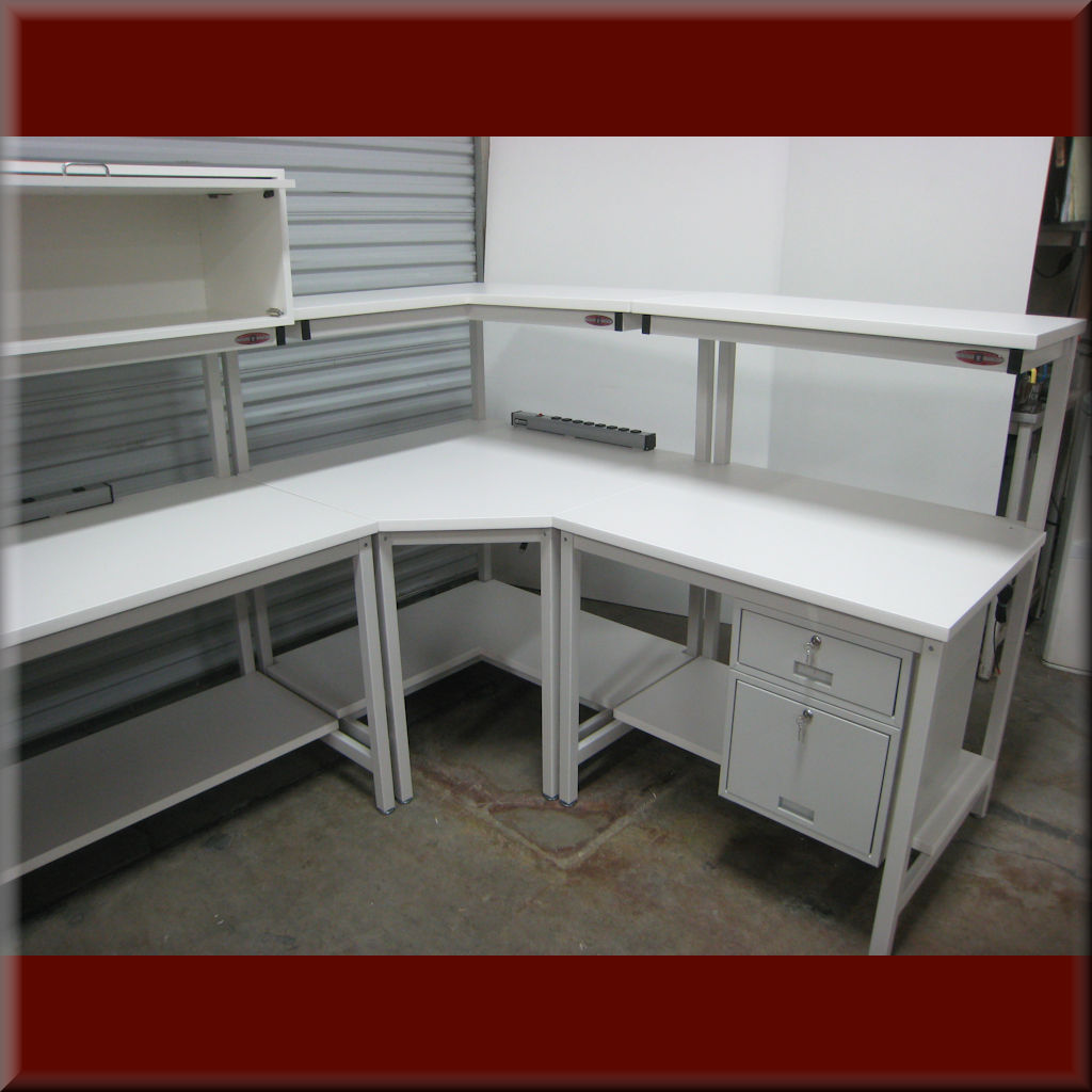 Table Model <span style='color: #800000;'><strong>F-103P-CNR45</strong></span> – F-Frame Corner Workbench w/ Chamfered Front