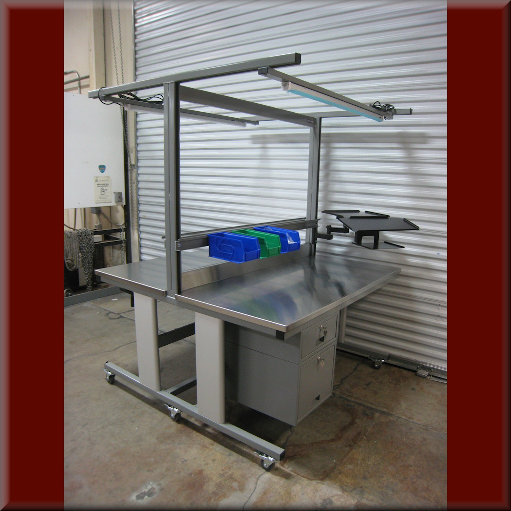 Table Model Ti-101P – Double-Sided Workbench with Hydraulic Lift & Adjustable Upper Shelves